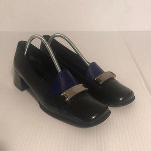 Prada Vero Cuoio black leather with chunky heel